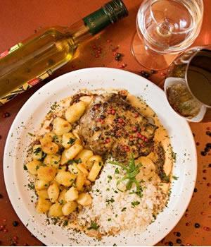 La chaumi re em brasilia guia restaurantes trilha cultural for Comida francesa df
